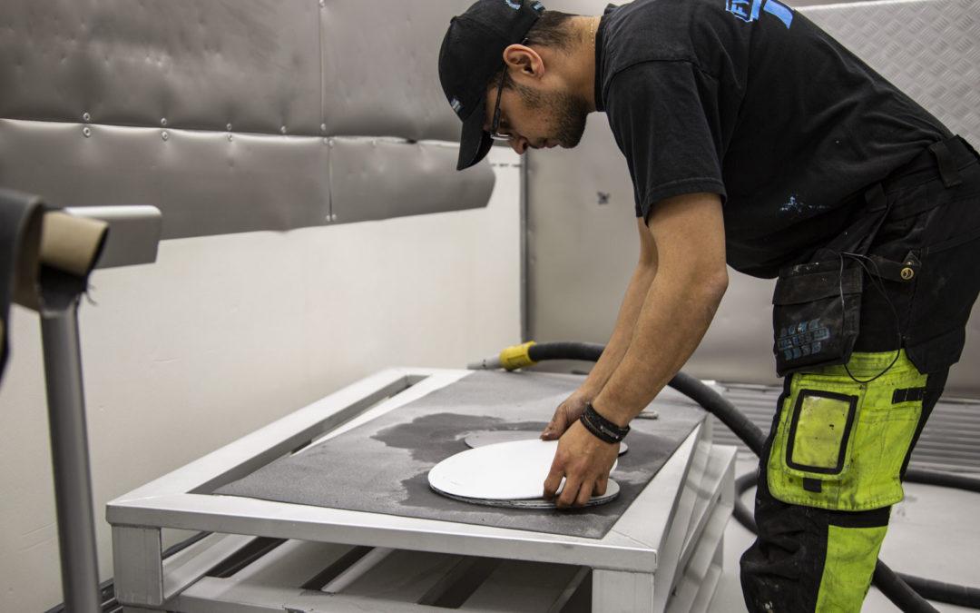 En konstnärs färgade plåtar skall klinga rent när vi är klara